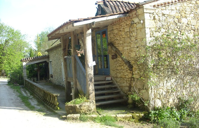 FERME DE TAULET - GÎTE D'ETAPE 1 - Larressingle